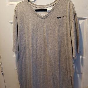 Mens 3XLT Nike V neck SS tshirt Worn once